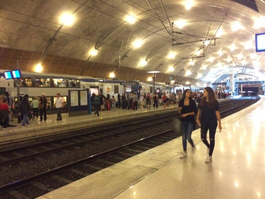 La SNCF prévoit d'accueillir 76 000 voyageurs sur les deux jours.