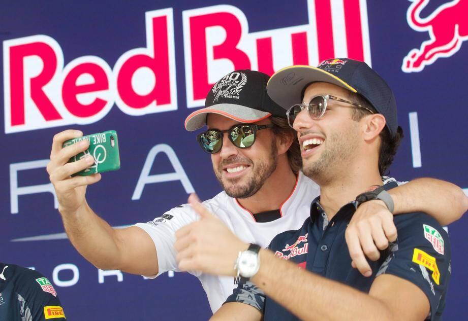 Alonso - Ricciardo : deux champions et deux pitres complices.