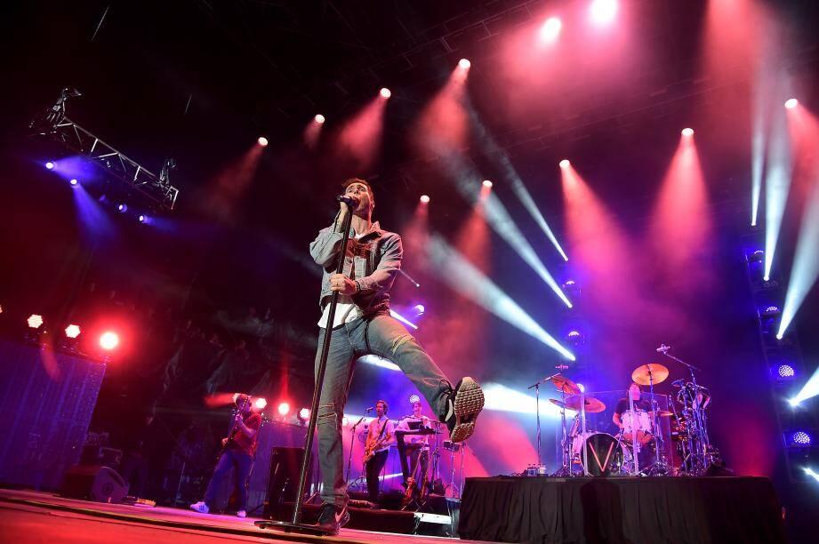 Avec leurs titres à mi-chemin entre rock FM et pop dance, Adam Levine et ses acolytes  ne devraient avoir aucun mal à mettre l'ambiance au stade Charles-Ehrmann.