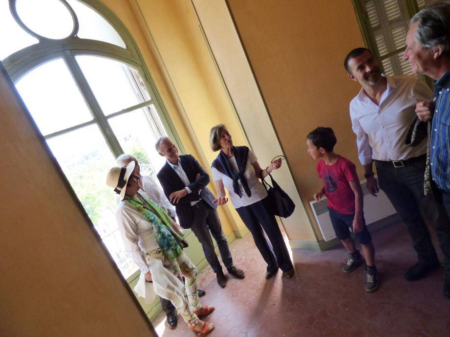 La visite en matinée de samedi du logement occupé par le couple Gombrowicz entre 1965 et 1969, villa Alexandrine, a permis d'aborder l'avenir.
