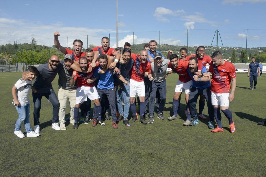 Bonheur immense pour les Grassois après le succès, hier, face à Côte Bleue, synonyme de montée en CFA2 !