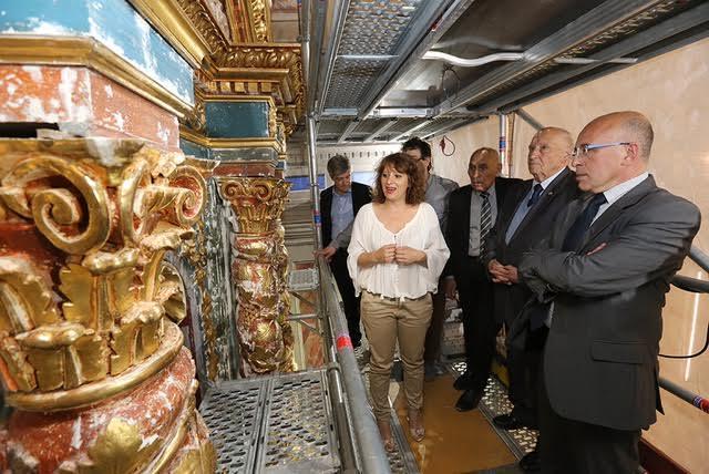 Éric Ciotti a visité l'église Sainte-Rosalie et le retable en cours de restauration. Commencés en janvier 2016, les travaux devraient s'achever en juillet.
