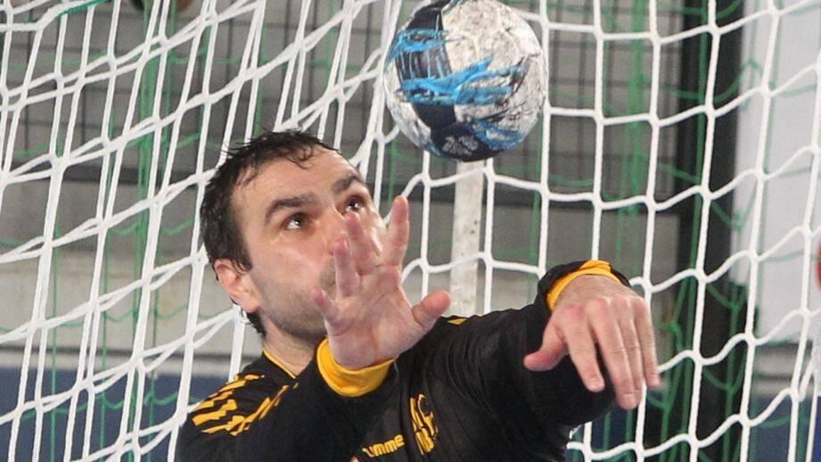 Vainqueurs de cinq buts à l'aller (30-25), les Varois ne sont pas parvenus à préserver leur avantage, battus au Phare de Chambéry de sept buts, 29-22.