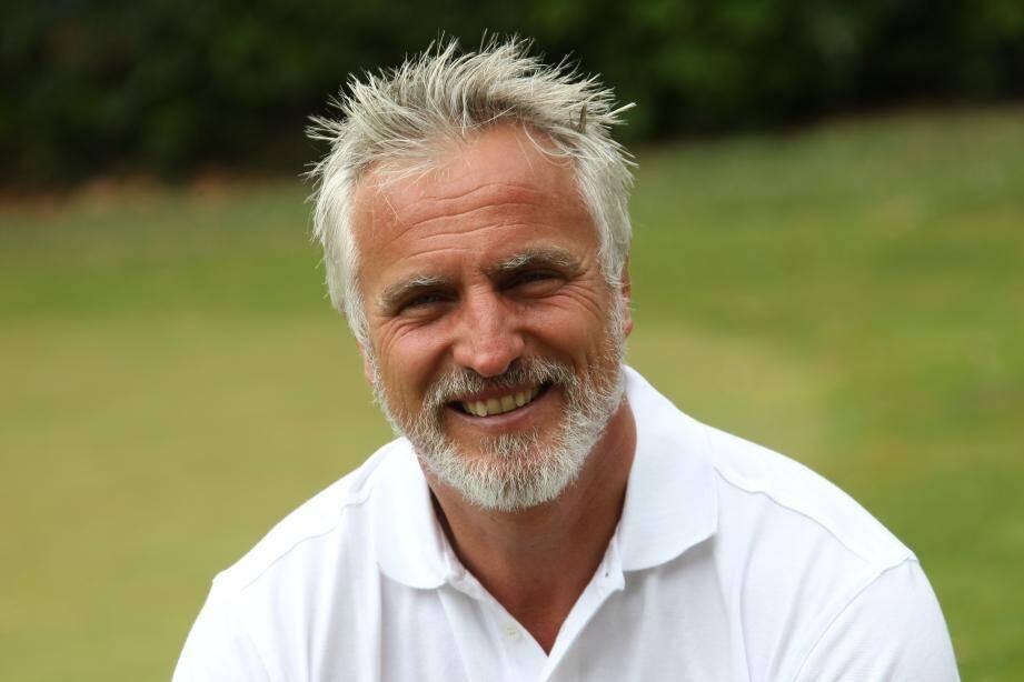 David Ginola est un grand amateur de golf.