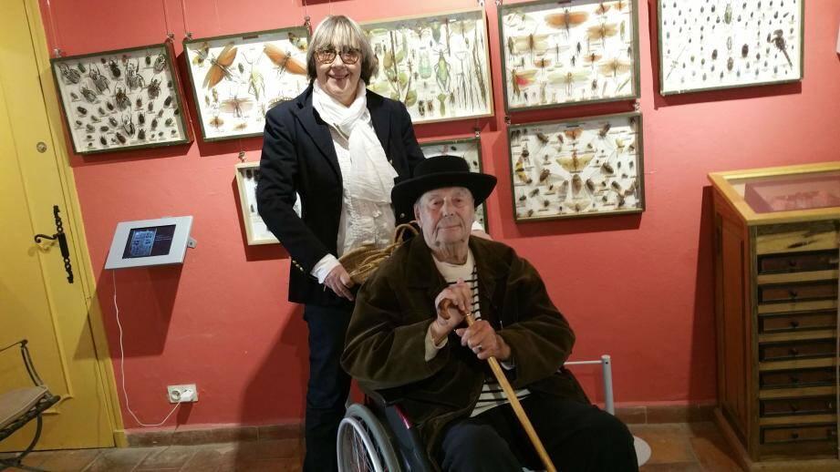 Dany Lartigue est heureux de présenter l'exposition d'été du musée. Ici avec Annick Rogelle qui accueille les visiteurs et commente les visites.