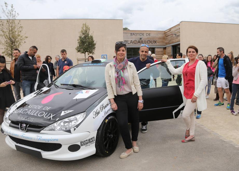 Samedi à l'heure du déjeune à la Bastide de Blacailloux, Didinne et Elodie ont présenté leur voiture.