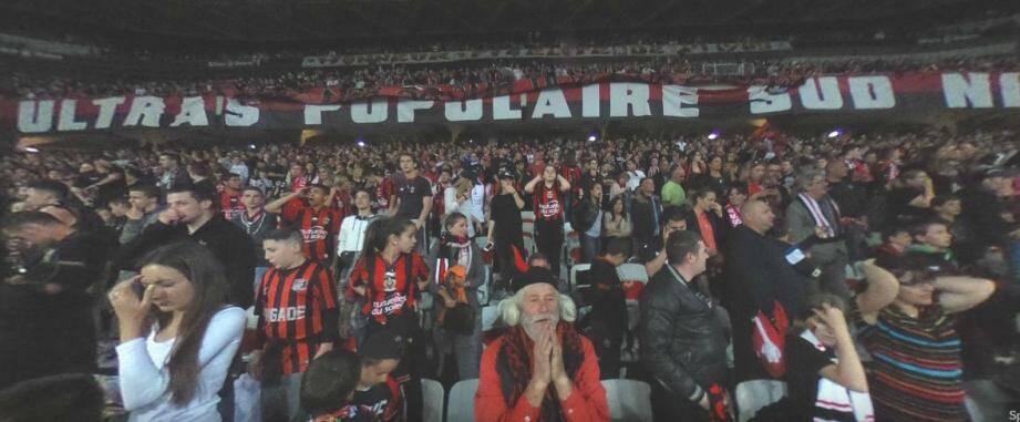 Le tribune populaire sud au stade Allianz Riviera.