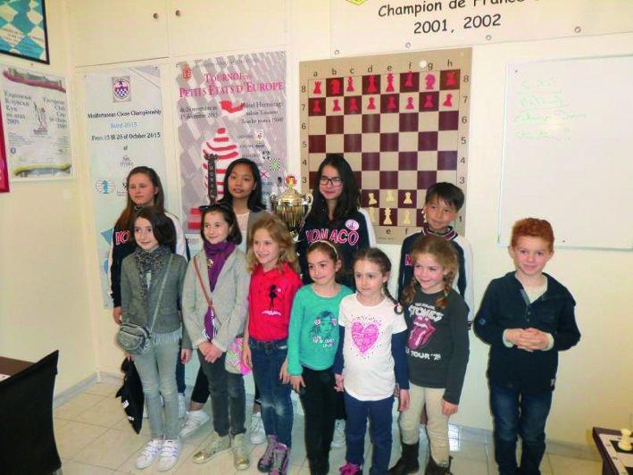 Le Cercle d'Échecs de Monte-Carlo privilégie la formation et la convivialité, faisant le bonheur des enfants qui fréquentent assidument les cours proposés plusieurs fois par semaine.
