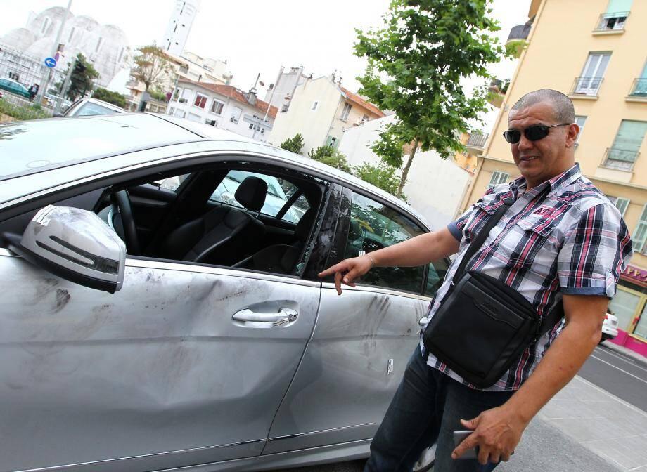 Le chauffeur UberPop montre les dégâts occasionnés, l'année dernière, à sa voiture. « Ils ont cassé les vitres, ont mis des coups de pied dans les portières, et ils ne se sont dispersés qu'à l'arrivée de la police », avait-il confié.
