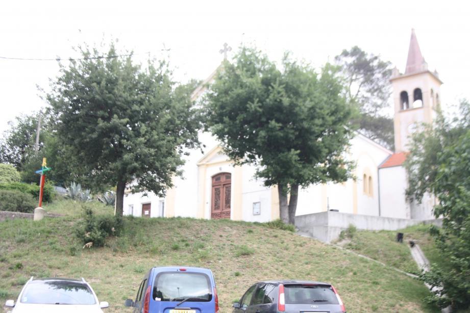 Le futur cœur de village à la Pointe sera concentré entre l'église Saint-Maurice, construite en 1930, et le Gamm Vert, la mairie annexe et le club de boules. Une vie de village compacte et d'un seul tenant va voir le jour.