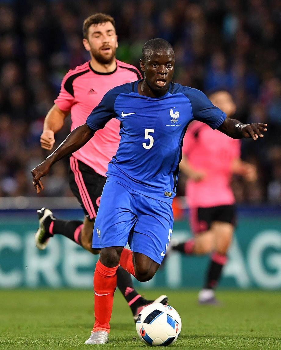 N'Golo Kanté, impressionnant face à l'Ecosse, pourrait débuter face à la Roumanie, vendredi, pour le premier match des Bleus à l'Euro.