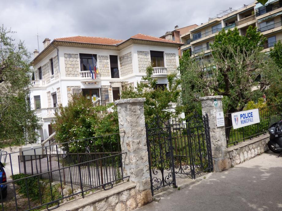 La villa Dubois qui héberge la police municipale est alimentée par une énergie respectueuse de l'environnement.