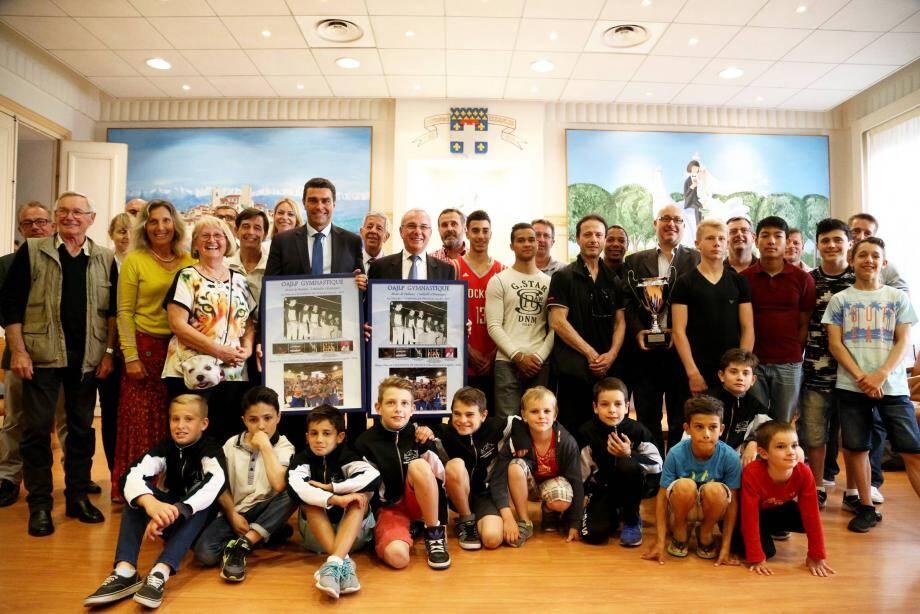 L'OAJLP gymnastique a été salué après son 28e titre de Champion de France (Top 12) en 2 016. Une performance unique dans le sport français.