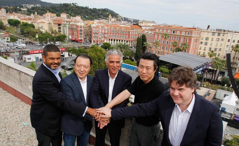 Elliot Hayes, Chien Lee, Jean-Pierre Rivère, Alex Zheng et Paul Conway font désormais équipe à la tête du club azuréen, qualifié pour l'Europa League.
