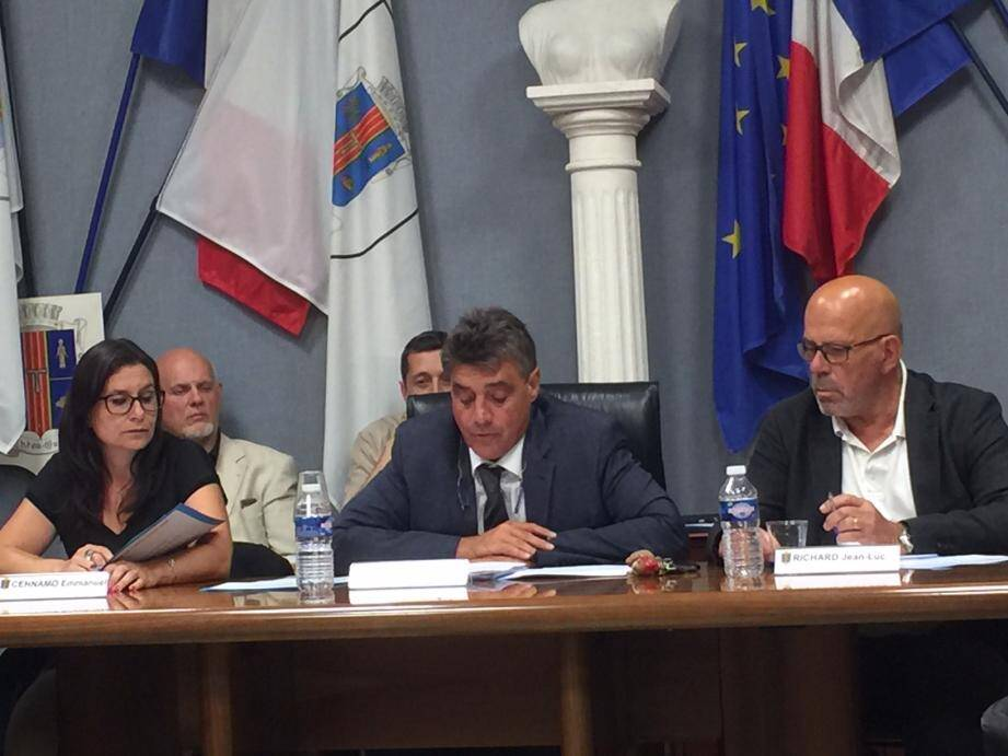 Jeudi soir, les élus de Théoule-sur-Mer se sont réunis.