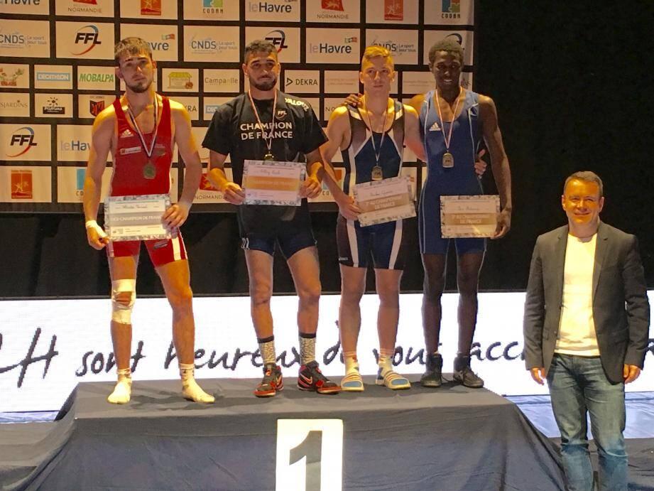 3e place pour Quentin Sticker (2e à partir de la droite).