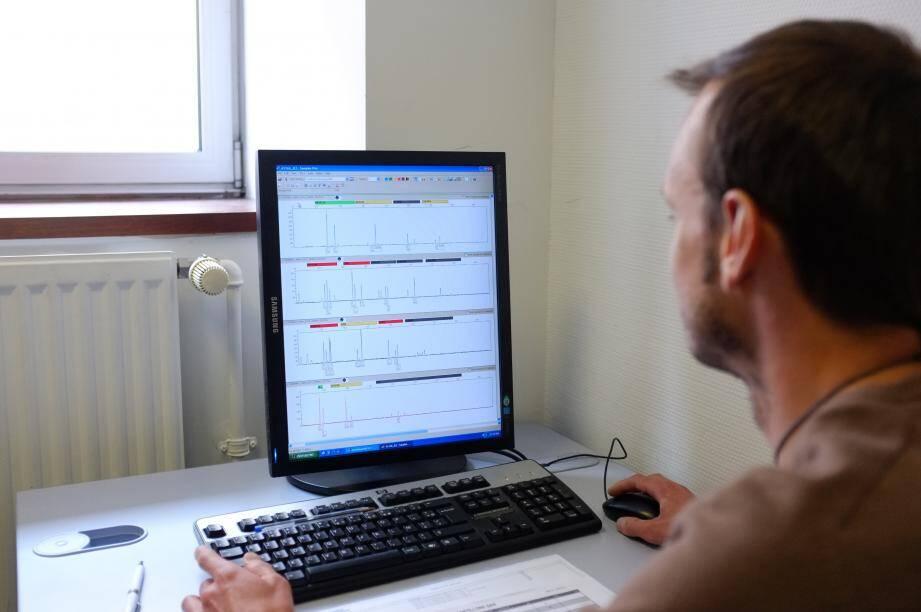 Basée sur des tests génétiques, la médecine prédictive prétend pouvoir alerter sur des centaines de maladies à composante génétique.