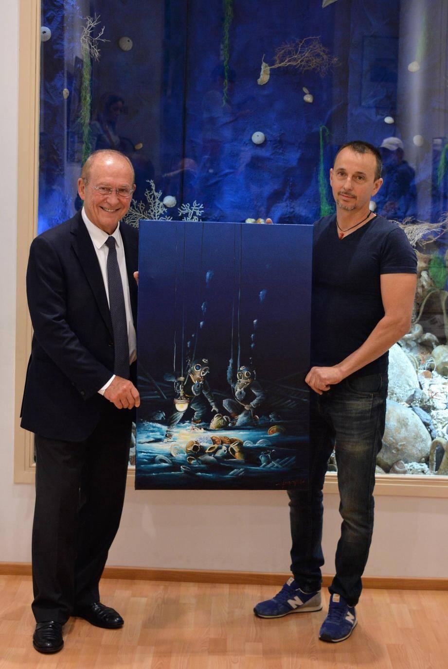 C'est cette huile sur toile présentée ici par le député-maire Jean-Claude Guibal et l'artiste toulonnais Jean-Claude Giorgi,  qui a servi de support pour l'affiche de l'exposition.