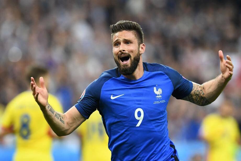 En ouvrant le score de la tête, Olivier Giroud a mis les Bleus sur les bons rails.