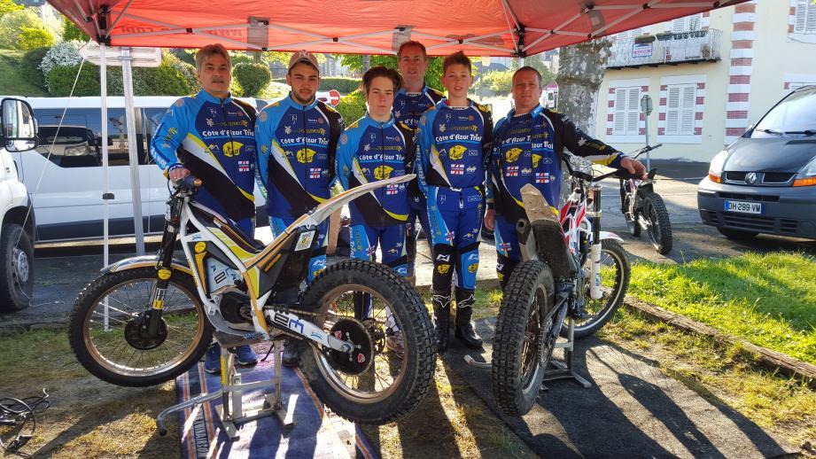 De gauche à droite : Stéphane Braquet, Loïc Monini, Lucas Bastien, David Lamothe, Benjamin Lamothe, Olivier Bastien.