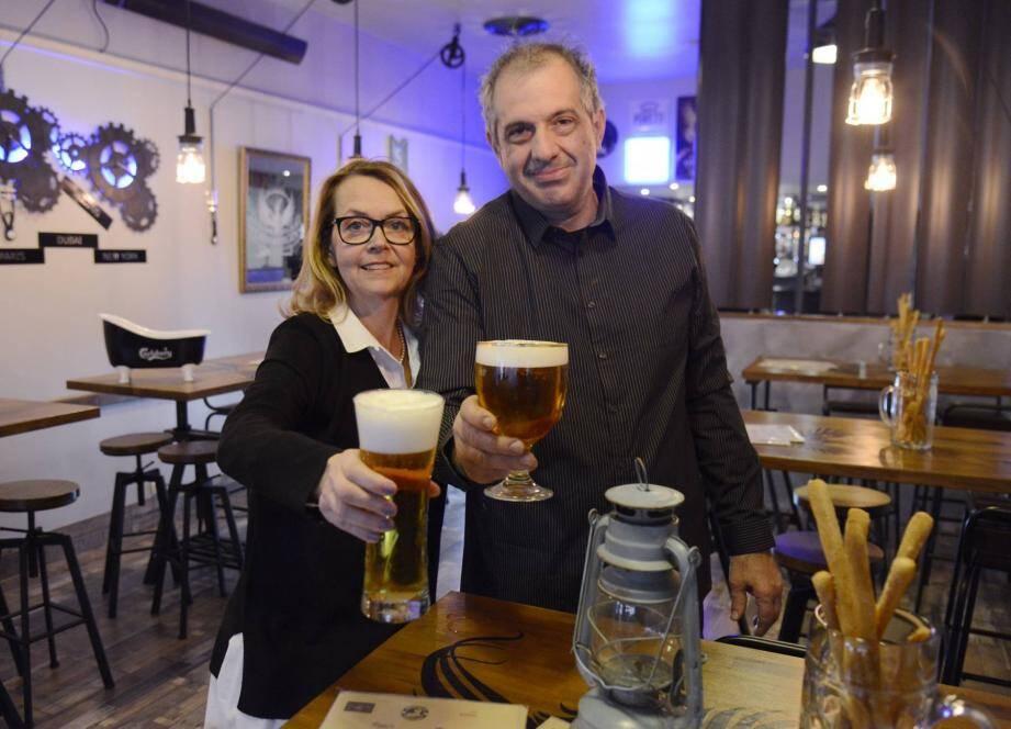 Isabelle et Hugues ont inauguré leur nouveau bar à bière.