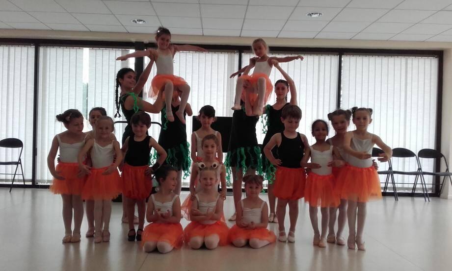 Les classes d'éveil musical du conservatoire interpréteront des chansons et danses sur le thème de la mer dans la première partie du spectacle.(DR)