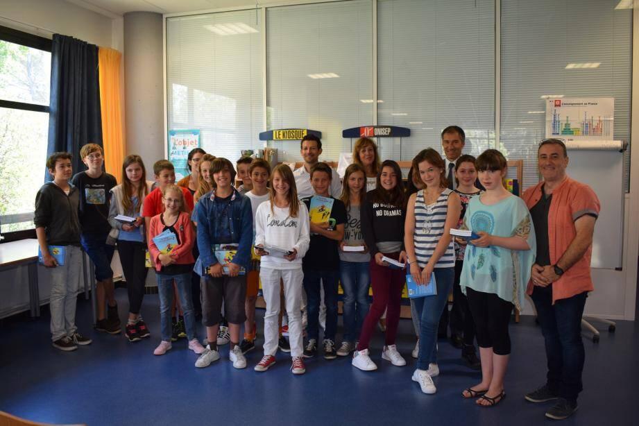 Les 17 textes proposés par les candidats du collège du Pré des Roures ont tous été retenus pour être publiés dans le livre recueil du concours édité par « Pourquoi viens-tu si tard ? » une maison d'édition associative de Nice.