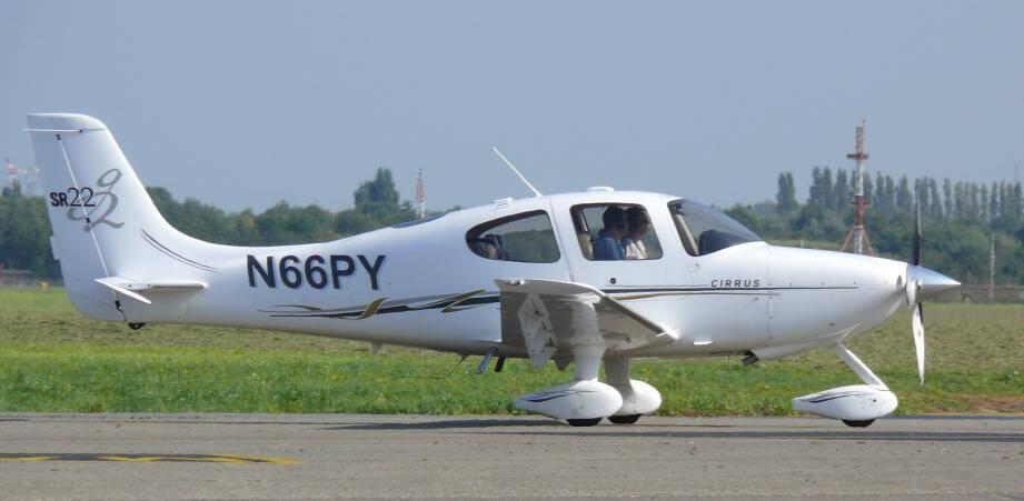 C'est ce type d'avion (Cirrus SR22) qui a effectué la surveillance des matchs dans la nuit de dimanche à lundi à Nice.