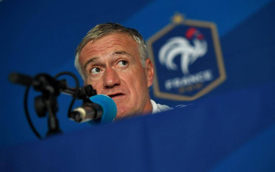 France's head coach Didier Deschamps gives a press conference in Neustift im Stubaital, on May 31, 2016, as part of the team's preparation for the upcoming Euro 2016 European football championships.  / AFP PHOTO / FRANCK FIFE FBL-EURO-2016-FRA-PRESSER