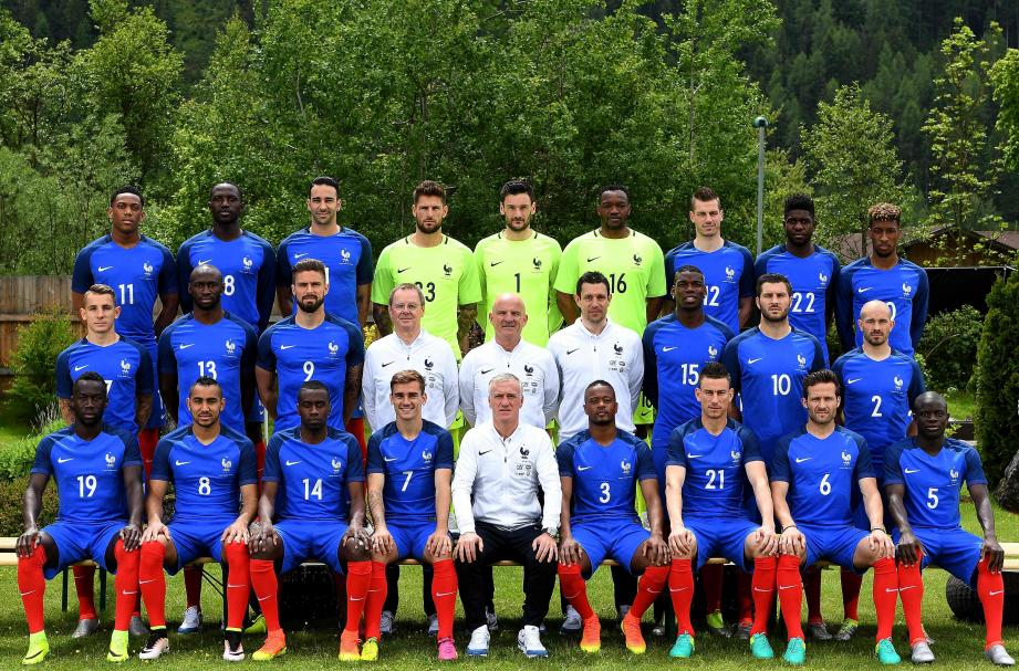 (Up-from L) France's forward Anthony Martial, forward Dumitri Payet, defender Adil Rami, goalkeeper Benoit Costil, goalkeeper Hugo Lloris, goalkeeper Steve Mandanda, midfielder Morgan Schneiderlin, defender Samuel Umtiti and France's forward Kingsley Coman, (Center from L) France's defender Lucas Digne, France's defender Eliaquim Mangala, France's forward Olivier Giroud, French fitness coach Eric Bedouet, assistant coach Guy Stephan, goalkeeper coach Franck Raviot, France's midfielder Paul Pogba, France's forward Andre Pierre Gignac and France's defender Christophe Jallet, (Down-from L) France's defender Bacary Sagna, forward Dumitri Payet, midfielder Blaise Matuidi, forward Antoine Griezmann, head coach Didier Deschamps, defender Patrice Evra, defender Laurent Koscielny,  midfielder Yohan Cabaye and midfielder N'Golo Kante pose at the hotel in Neustift im Stubaital, on June 2, 2016, as part of the team's preparation for the upcoming Euro 2016 European football championships.   / AFP P