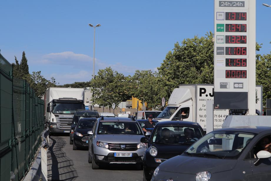 La grève des carburants risque de siphonner le porte-monnaie des automobilistes.