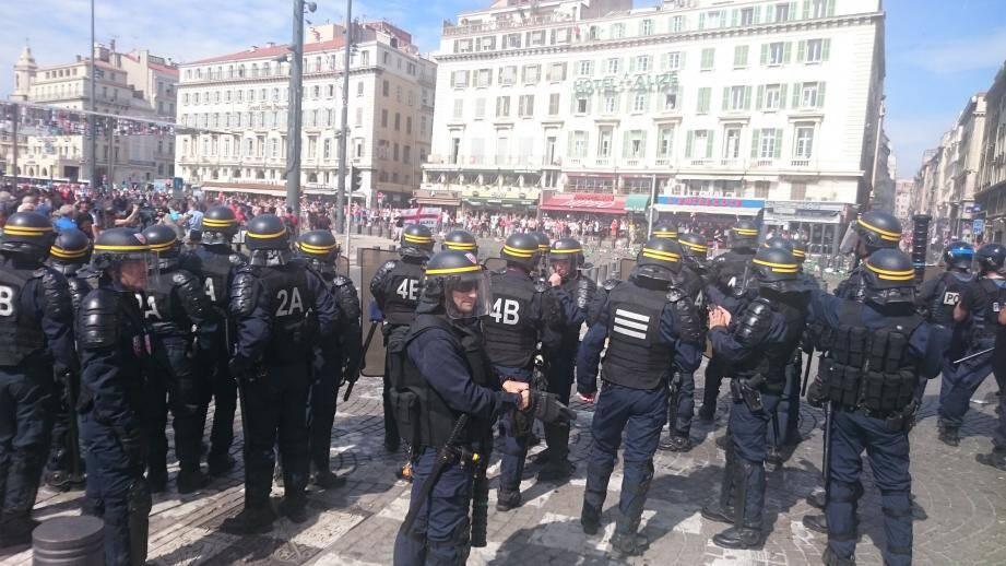 De nouveaux incidents ont éclaté ce samedi après-midi sur le Vieux-Port de Marseille