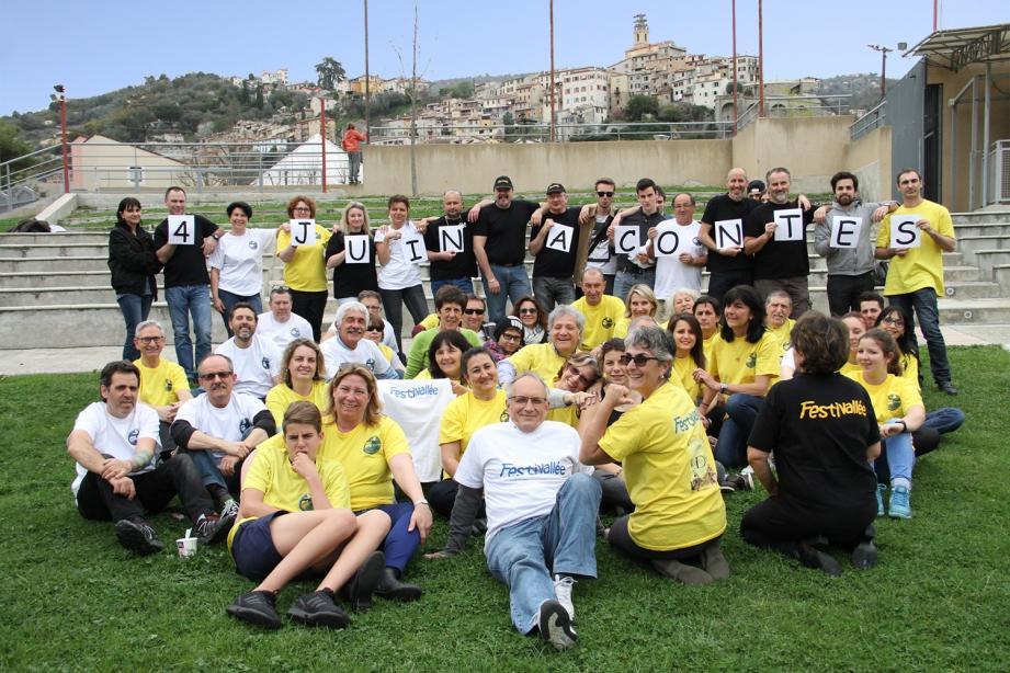 Une partie de l'équipe de bénévoles du Festivallée Rock.
