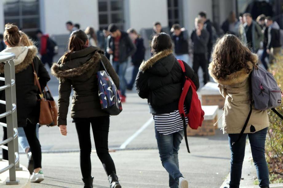 Selon les projections de l'INSEE, les établissements toulonnais compteront 300 lycéens supplémentaires en 2050.