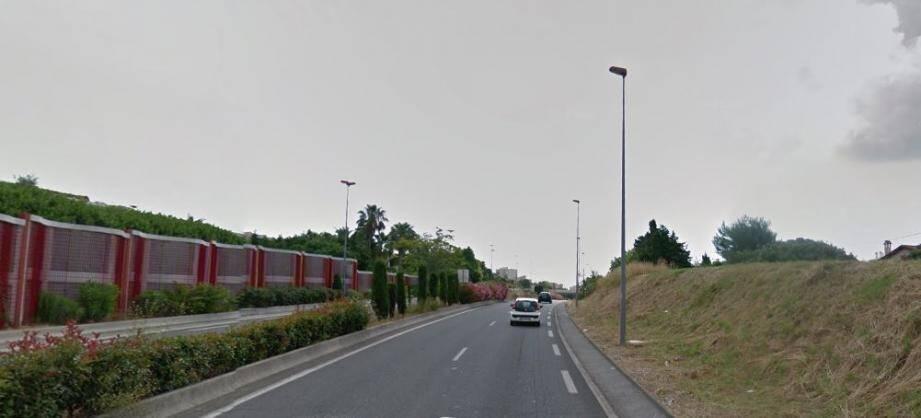 Mercredi, de 15h30 à 17h, quelque 104 infractions ont été relevées sur la RD 6107 dans le sens Vallauris-Antibes.