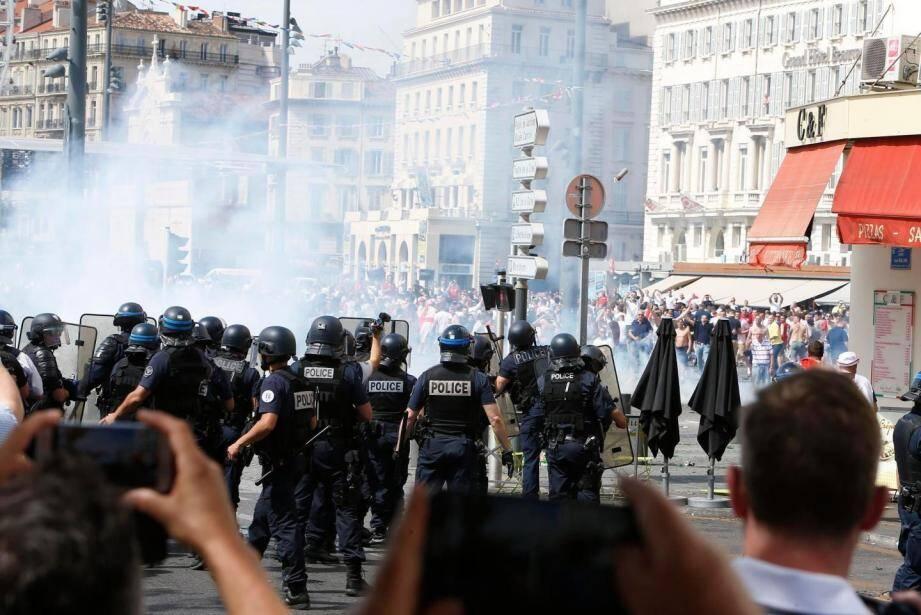Les violences entre les supporters russes et anglais à Marseille samedi 11 juin.