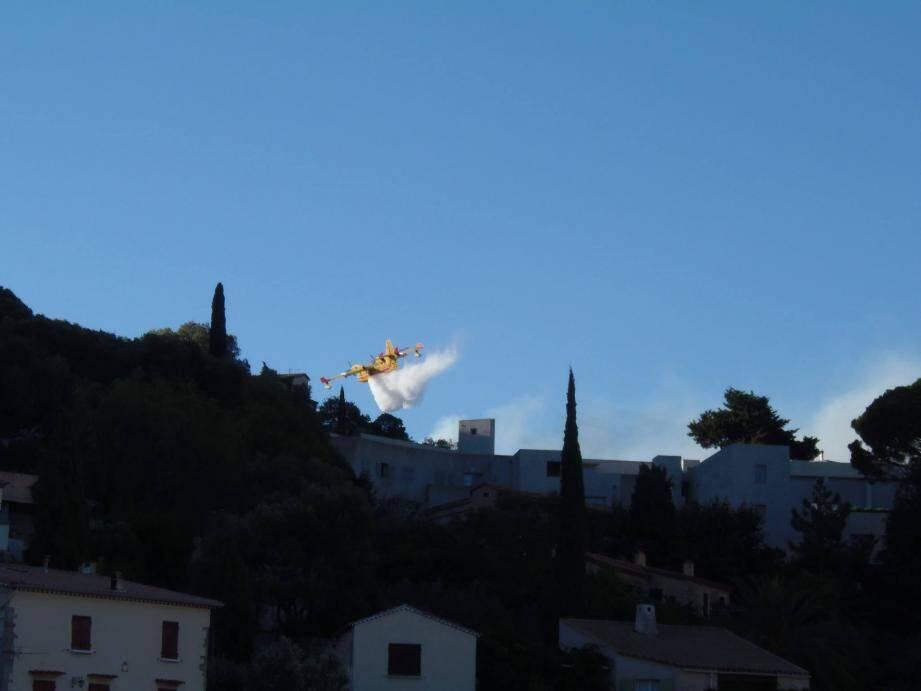 L'incendie s'est déclaré peu avant 19 heures ce jeudi.