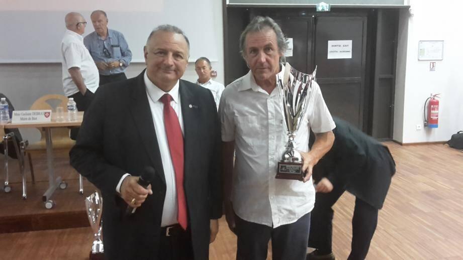 M. Borghini lors de l'AG du district samedi à Biot.