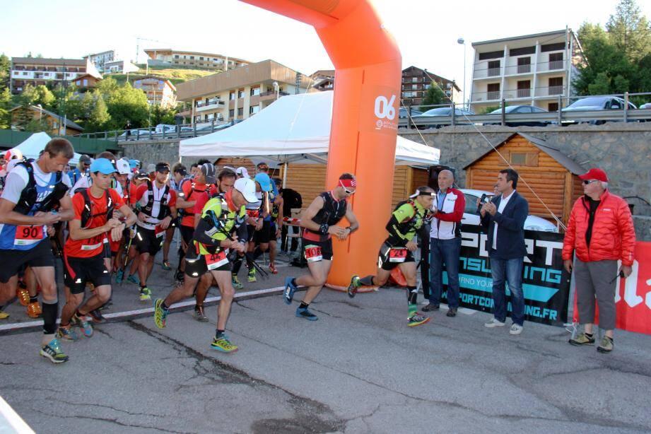 Le maire de Beuil Stéphane Simonini et Alain Nicoletta pour Valberg ont donné le départ des épreuves du Trail.