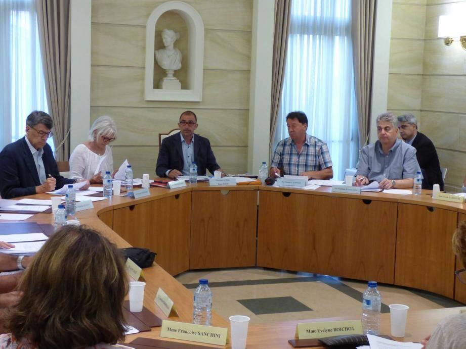 Les élus ont approuvé une modulation de la participation de la commune aux tarifs des repas en fonction des revenus des familles.
