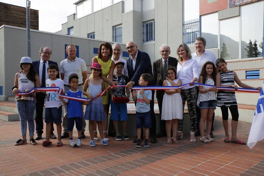 Inauguration officielle de la mosaïque entre la Poste et la mairie mardi.