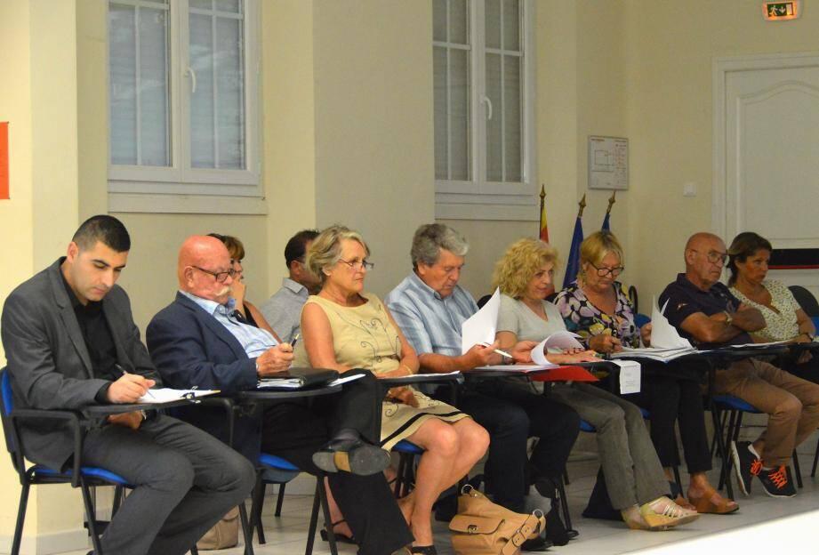 Le conseil municipal a également pris connaissance des plans de surélévation de l'école, suivis par le groupe de travail animé par le premier adjoint Gérard Méro.