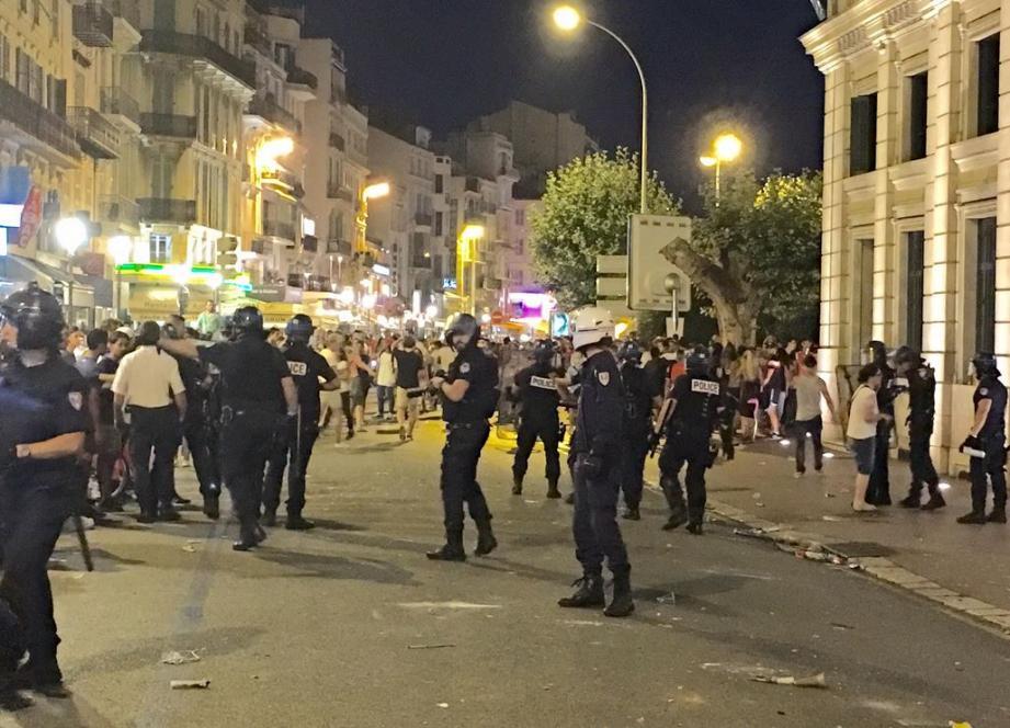 Les supporters un peu trop excités dimanche soir dans les rues de Cannes ont vécu une troisième mi-temps judiciaire hier au tribunal de Grasse.