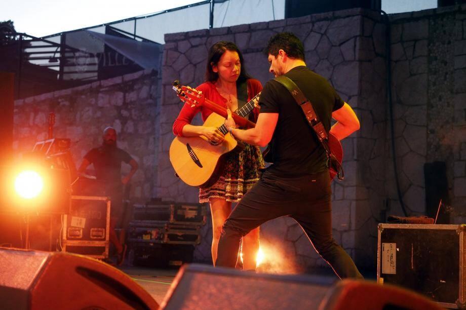 Accords parfaits pour Rodrigo y Gabriela. Hier, le duo a présenté des nouveaux titres qui figureront sur le prochain album des guitaristes mexicains