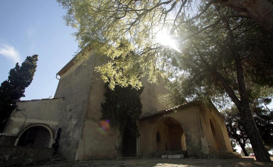 La chapelle a été le théâtre d'un quiproquo entre l'association et l'église.