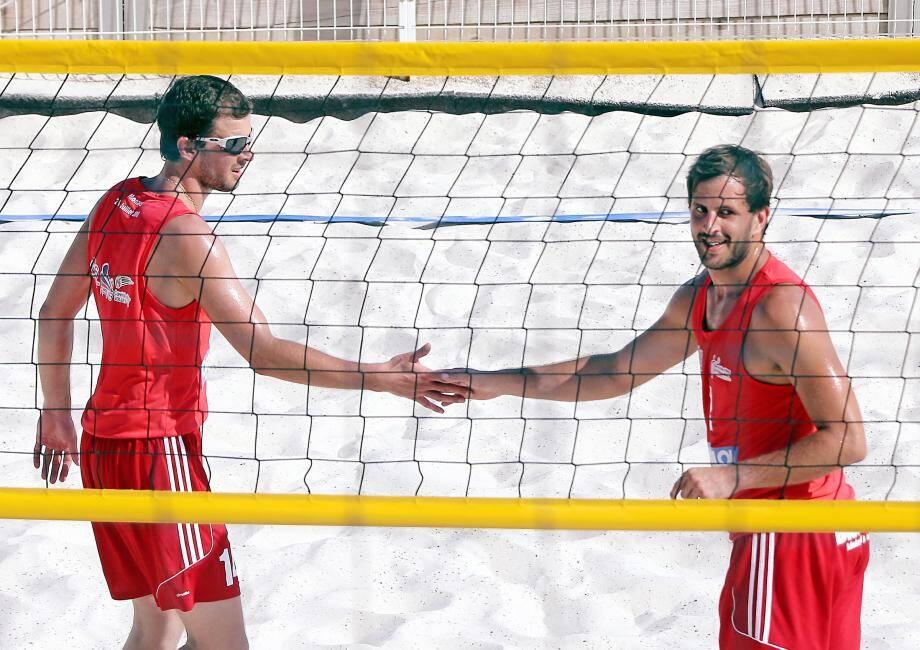 Les frères Ferry, associés lors des tournois de beach-volley, affichent une belle complicité.