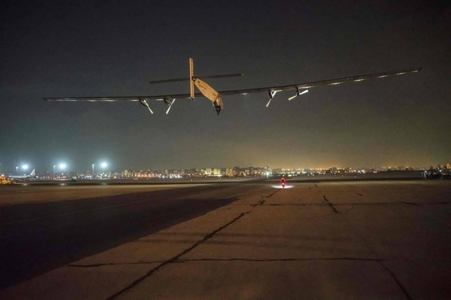 L'avion a décollé dimanche à 1 h du matin du tarmac de  l'aéroport international du Caire pour un vol estimé de 48 heures.