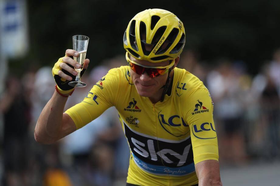 Tradition oblige, Froome a bâptisé son succès au champagne.