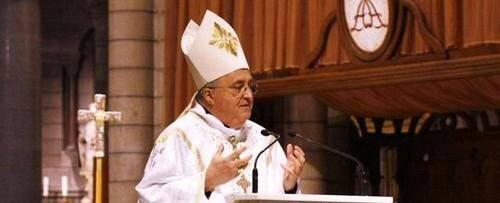 Monseigneur Barsi, l'archevêque de Monaco.