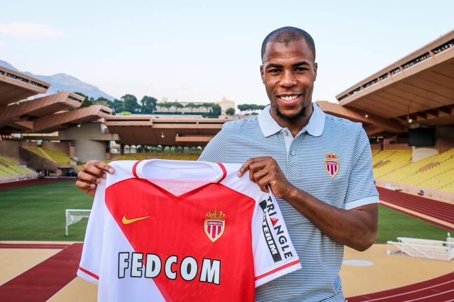 Le défenseur français Djibril Sidibé a prolongé à Monaco
